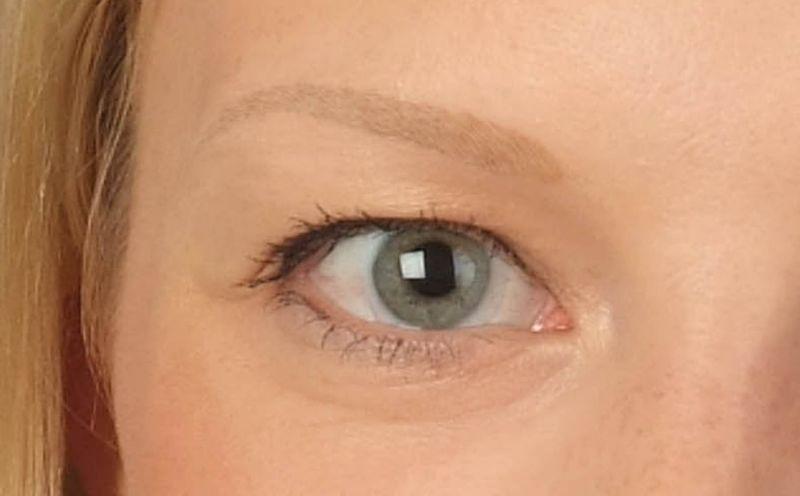Nach der ersten Augenbrauenbehandlung