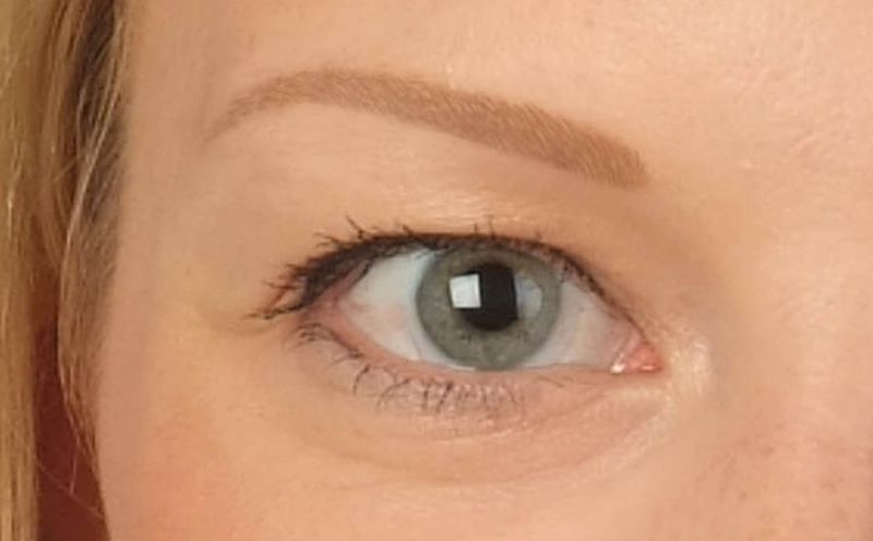 Nach der dritten Augenbrauenbehandlung