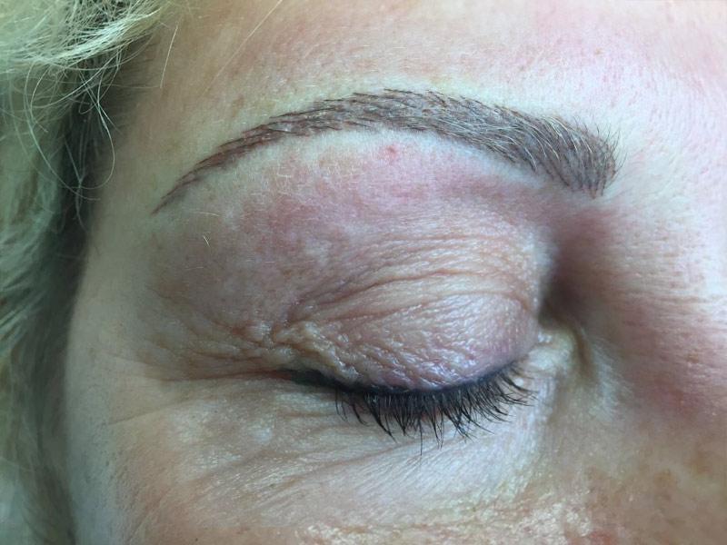 Auffrischungsbehandlungen › PERMANENT Line Make-up